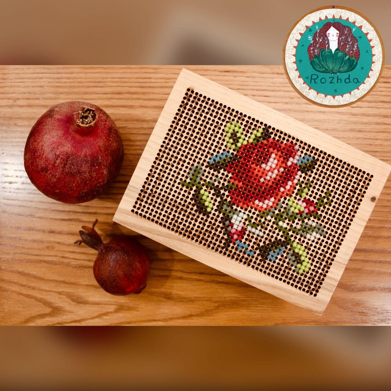 کد ۴۲-جعبه چوبی با چوب بسیار با کیفیت و طرح گل🌹