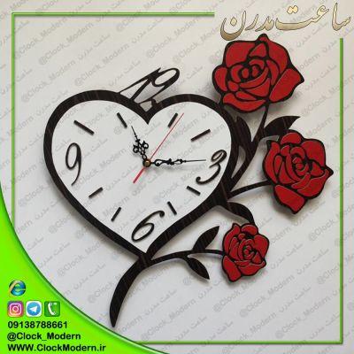 ساعت دیواری قلبی با گلهای رز قرمز