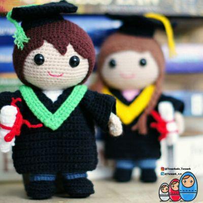 عروسک دانشجو (فارغالتحصیل)