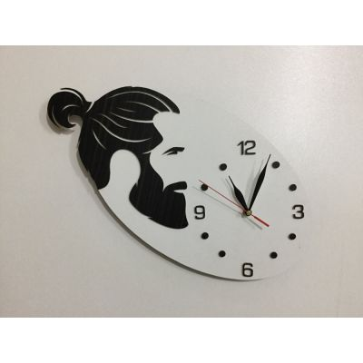 ساعت دیواری دستساز برای آرایشگاه مردانه