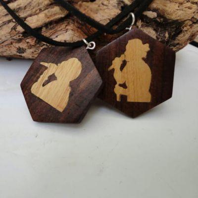 گردنبند چوبی مشبک
