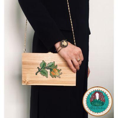 کیف چوبی شماره دوزی شده با دست- گل زرد