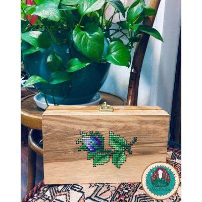 کیف چوبی شماره دوزی شده با دست- گل بنفش