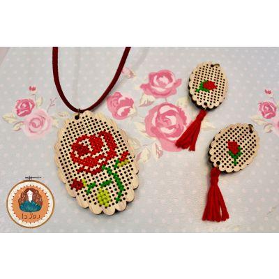 کد ۲۴- ست گردنبند و گوشواره باطرح گل رز?