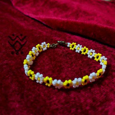 دستبند گل سفید و زرد