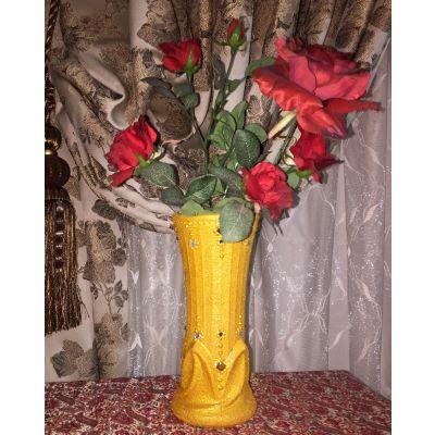 گلدان شیشه ای طلایی